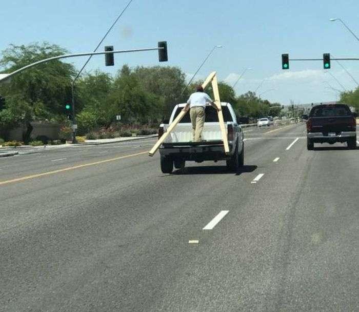Дивні автомобілі на дорогах (43 фото)
