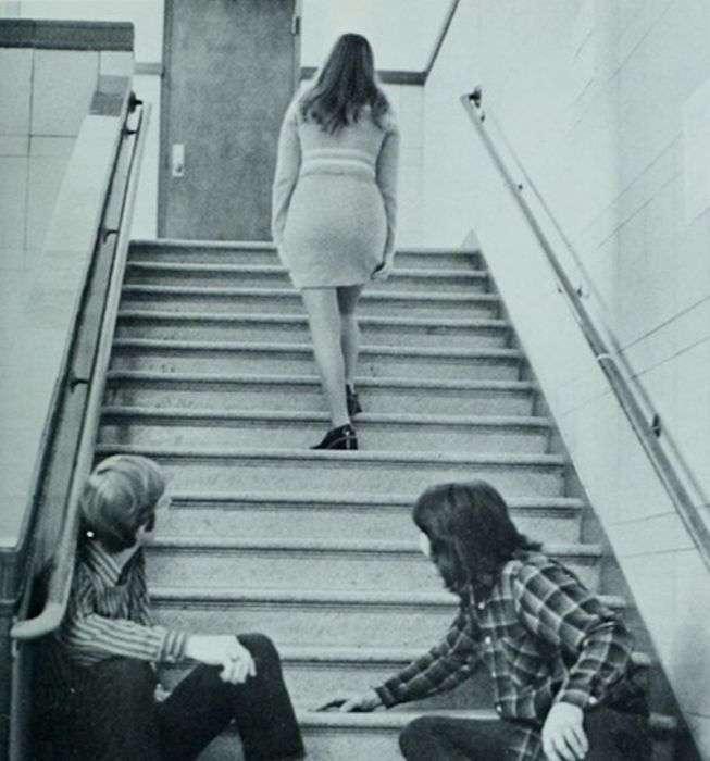 Чоловіки витріщаються на вподобаних дівчат (19 фото)