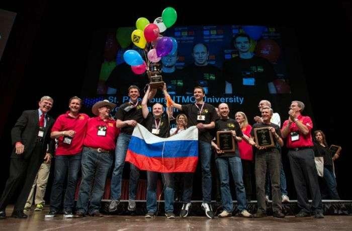 На чемпіонаті світу з програмування команда Університету ІТМО посіла перше місце (2 фото)