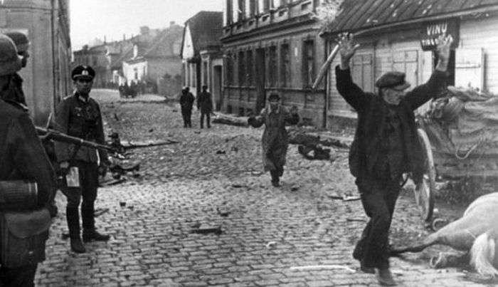Знімки перших тижнів Великої Вітчизняної війни (25 фото)