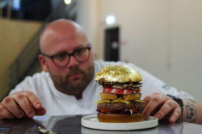 У Гаазі приготували найдорожчий у світі гамбургер за 2050 євро (14 фото)