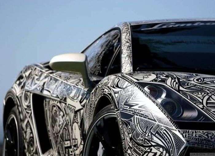 Круті автомобілі з ексклюзивною аерографією (49 фото)