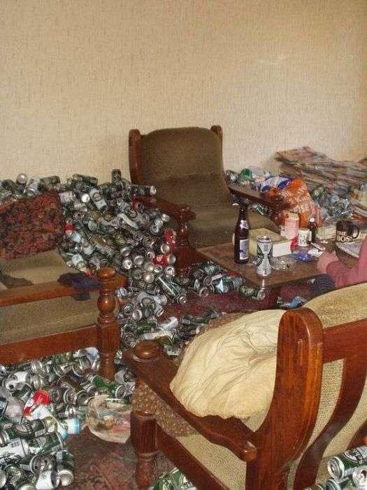 Квартира пивного алкоголіка (12 фото)