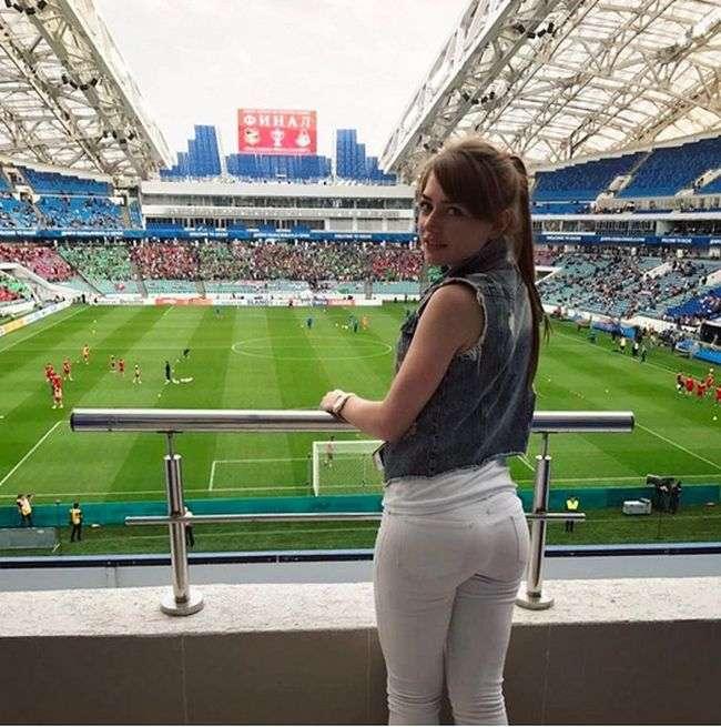 Чарівні вболівальниці на матчах Чемпіонату Росії з футболу (35 фото)