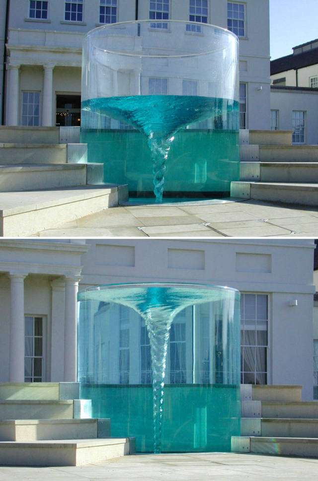 Самі незвичайні фонтани (36 фото)