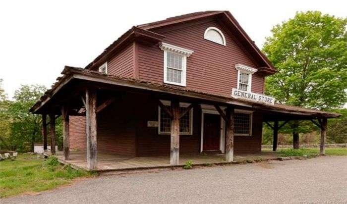 Американський містечко Джонсонвилль ось вже три роки шукає нового власника (6 фото)