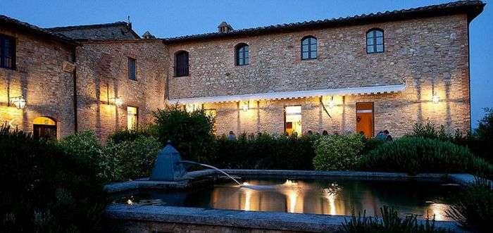 Борго Финочетто - італійська село, де відпочивають Барак і Мішель Обама (12 фото)