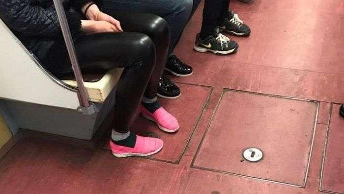 Незвичайні пасажири російського метро (32 фото)