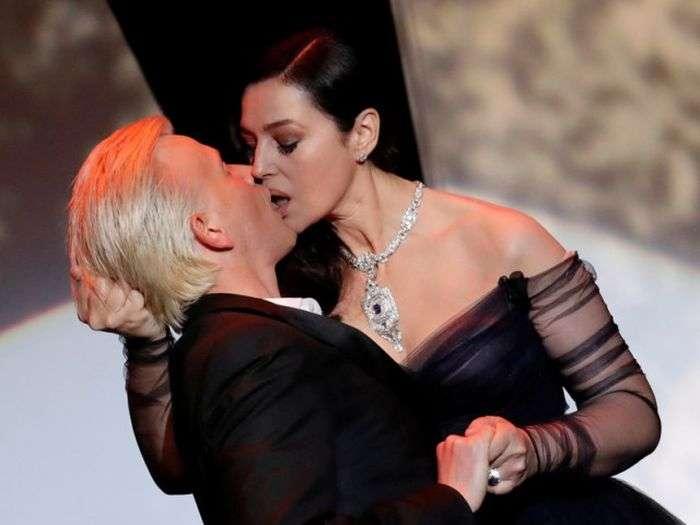 Пристрасний поцілунок Моніки Беллуччі і Алекса Луца на Каннському кінофестивалі (7 фото + відео)