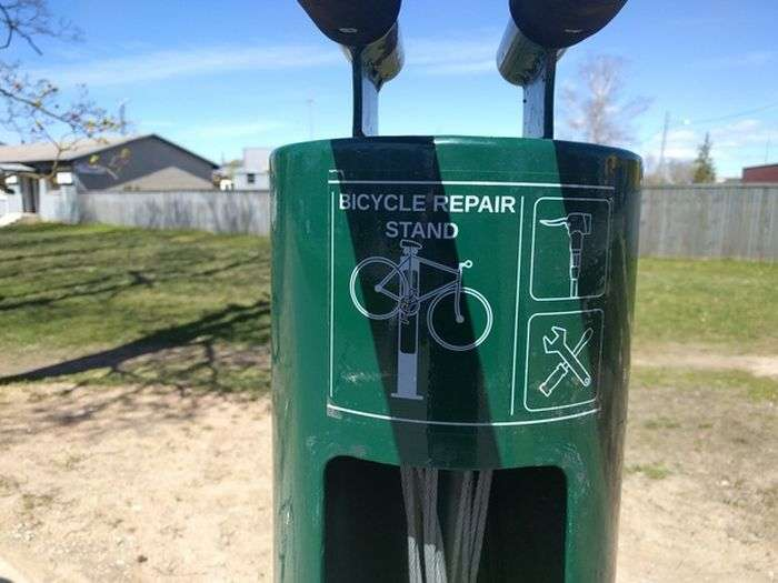 Велосипедна станція техобслуговування (4 фото)