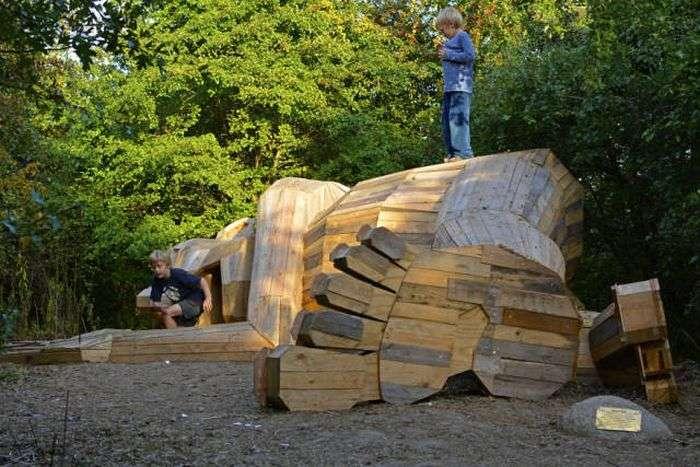 Велетенські деревяні скульптури Томаса Дамбо (17 фото)