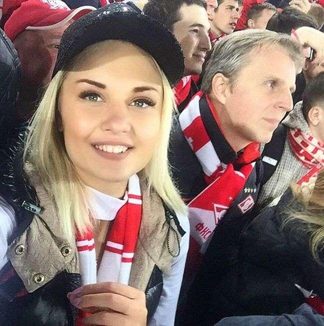 Чарівні фанатки російського футболу (36 фото)