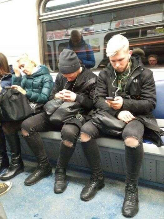 Дивні пасажири російського метро (33 фото)