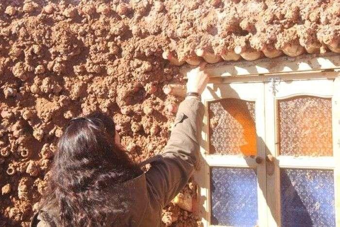 Будинки з пластикових пляшок, наповнених піском (7 фото)
