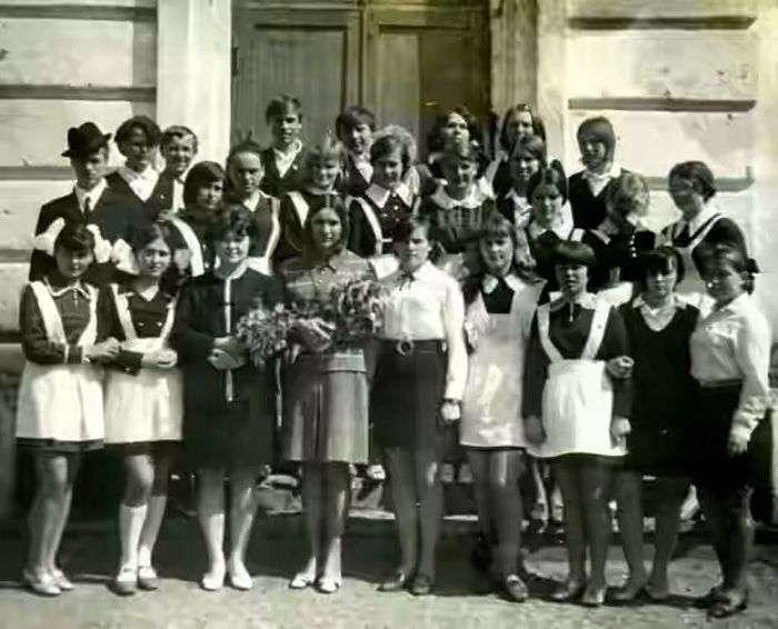 Випускниці 70-х років (10 фото)