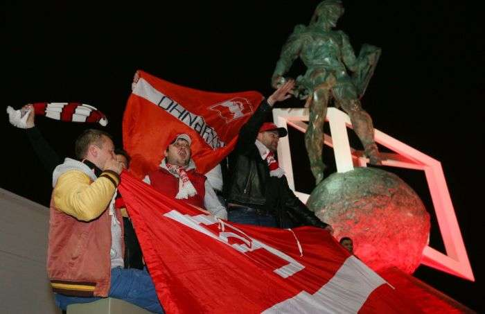 Вболівальники «Спартака» відсвяткували дострокове чемпіонство в чемпіонаті Росії (34 фото + 2 відео)