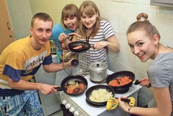 Веселе життя в студентських гуртожитках (31 фото)