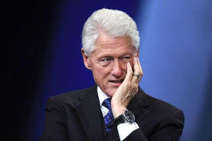 Кому на цьому фото тисне руку Джон Кеннеді? (2 фото)