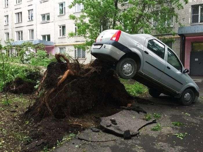 На Москву обрушився ураган (18 фото + 3 відео)